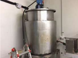 400 Litre Electriy Heated and Jacketed Tank / Kettle With Stirrer - picture0' - Click to enlarge