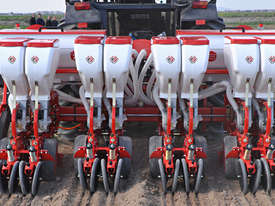 2019 AGROMASTER D4X2 TWIN ROW PNEUMATIC PLANTER - picture3' - Click to enlarge