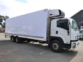 2008 Isuzu FH FVM Sitec 295 6x2 Refrigerated Truck (GA1190) - picture0' - Click to enlarge