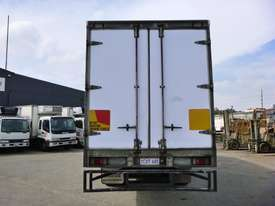 2008 Isuzu FH FVM Sitec 295 6x2 Refrigerated Truck (GA1190) - picture2' - Click to enlarge