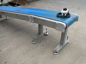 Stainless Motorised Belt Conveyor - 2.9m long - picture2' - Click to enlarge