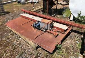 Tailgate Lifter And Tailgate, Tieman TR1000, Hydraulic,