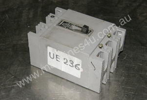 Westinghouse CS2130N Circuit Breakers.