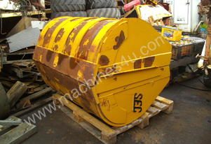 clam shell bucket , caterpillar  12 ton machines
