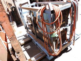 225 amp ac/dc , 8kva power , welding leads , oxy  - picture0' - Click to enlarge