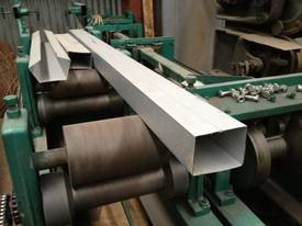 O03978 - Rectangular Down Pipe Machine - picture0' - Click to enlarge