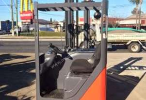 Linde   R16HD Reach Truck