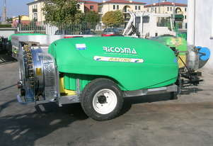 ECONO 1000LT Sprayer Orchard