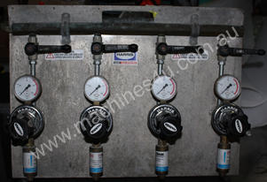 4 way oxy acetylene gas 8 x Regulator portable man