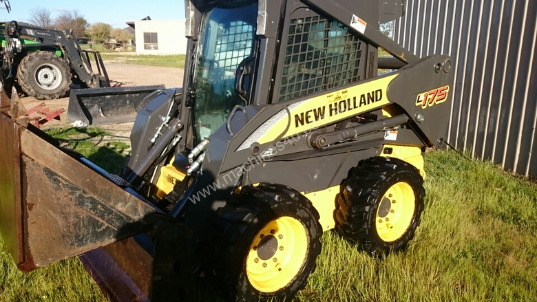 Used 2011 New Holland L175 Wheeled SkidSteers in , - Sold on