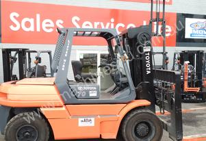 NISSAN HYSTER TOYOTA 7 TON CONTAINER MAST