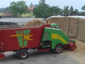 Verti-Mix Double Auger Self-Propelled
