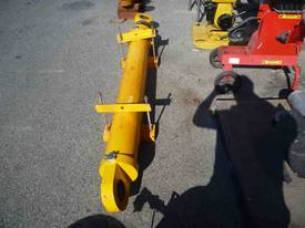 SINGLE HYDRAULIC RAM/ 2500MM COLLAPSED - picture0' - Click to enlarge
