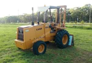 Case 586E All/Rough Terrain Forklift