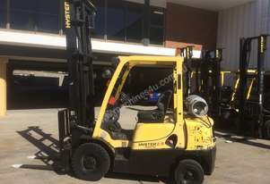 Low hours Hyster 2.5T forklift