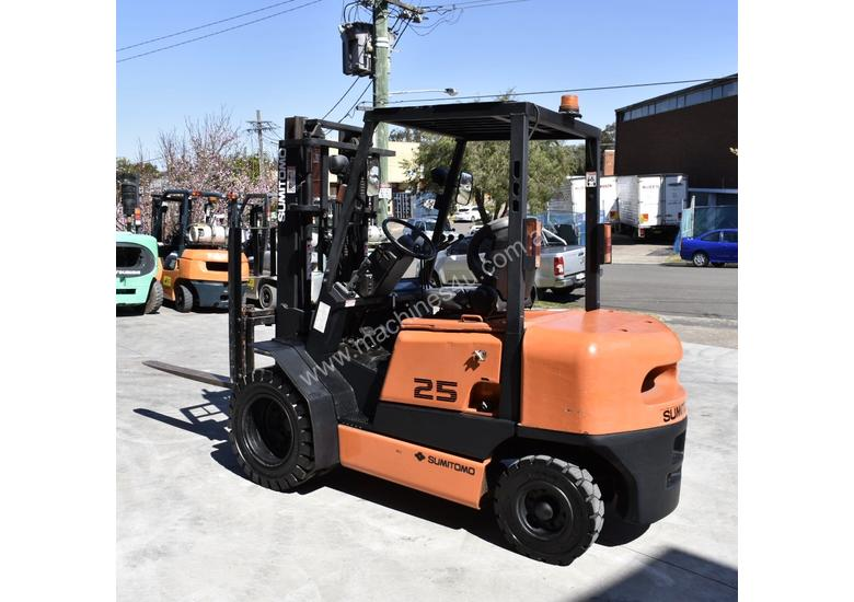 SUMITOMO 2.5T DIESEL FORKLIFT DUEL WHEELS CONTAINER MAST LOW HOURS