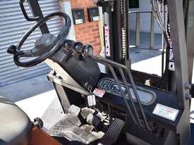 SUMITOMO 2.5T DIESEL FORKLIFT DUEL WHEELS CONTAINER MAST LOW HOURS - picture4' - Click to enlarge