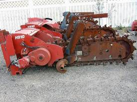 H910 centre mount trencher attachment - picture0' - Click to enlarge