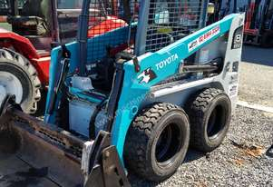 2012 Toyota 5SDK8 Skid Steer Low hours and Immaculate Condition
