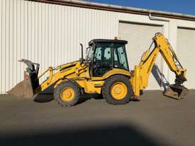 Hidromek Backhoe Loader - picture0' - Click to enlarge