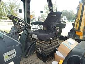 Hidromek Backhoe Loader - picture1' - Click to enlarge