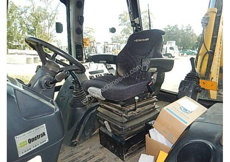 Hidromek Backhoe Loader