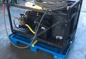 Karcher HDS Hot Wash Pressure Washer Honda Petrol Refurbished Unit