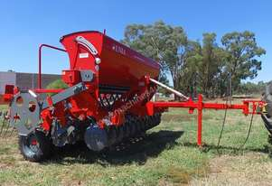 2018 UNIA AMBER 900/3 DRIVE SINGLE DISC SEED DRILL (3.0M)