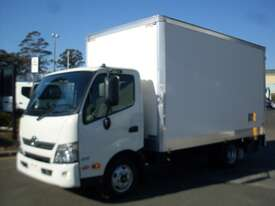 Hino 616 - 300 Series Pantech Truck - picture5' - Click to enlarge