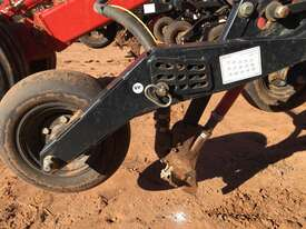 Bourgault  Air Seeder Seeding/Planting Equip - picture1' - Click to enlarge