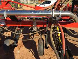 Bourgault  Air Seeder Seeding/Planting Equip - picture3' - Click to enlarge