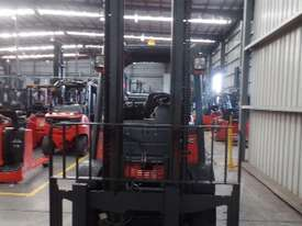 Used Forklift: H45T Genuine Preowned Linde 4.5t - picture4' - Click to enlarge