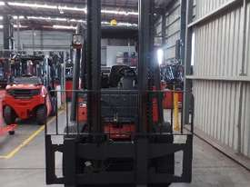 Used Forklift: H45T Genuine Preowned Linde 4.5t - picture5' - Click to enlarge