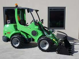 Avant 745 Mini Loader W/ Log Grab - picture0' - Click to enlarge