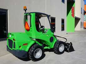 Avant 745 Mini Loader W/ Log Grab - picture3' - Click to enlarge