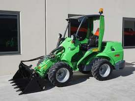 Avant 745 Mini Loader W/ Log Grab - picture5' - Click to enlarge