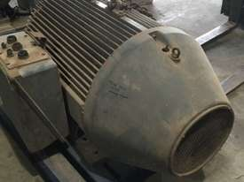 220 kw 300 hp 8 pole 415 volt IP66 AC Electric Motor - picture2' - Click to enlarge