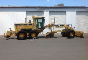 Caterpillar 12H Series II with front push blade