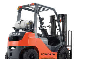 Toyota 2.5T Gas Forklift 8FG25 for HIRE