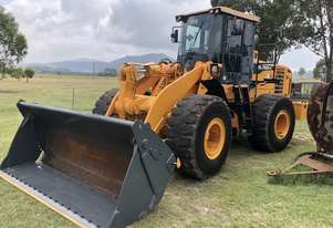 2013 HL760-9 HYUNDAI 20T Wheel Loader 4in1,  Auto Grease System , Reverse Camera