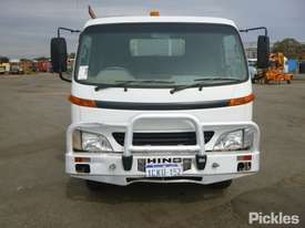 2002 Hino DUTRO - picture1' - Click to enlarge