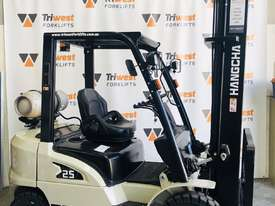 Hangcha 2.5 tonne forklift  - picture0' - Click to enlarge