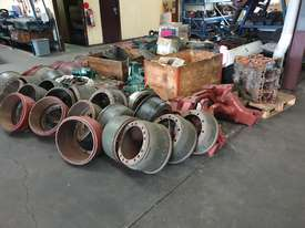 Mercedes Truck Parts Closing Clearance - picture0' - Click to enlarge