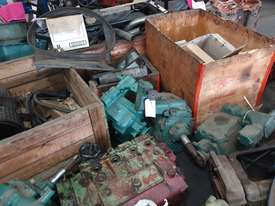 Mercedes Truck Parts Closing Clearance - picture1' - Click to enlarge