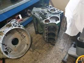 Mercedes Truck Parts Closing Clearance - picture4' - Click to enlarge
