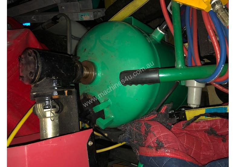 Dustless Blasting DB225 2x units complete with hoses and fittings Chinese  Versions not American