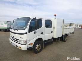 2010 Hino 300 816 - picture2' - Click to enlarge