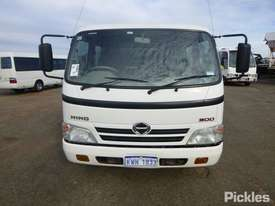 2010 Hino 300 816 - picture1' - Click to enlarge
