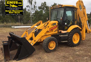 2005 JCB 3CX Backhoe, 4k hrs, attachments.  MS516