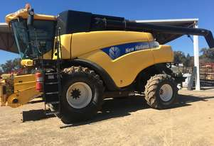 New Holland 2005   CR970